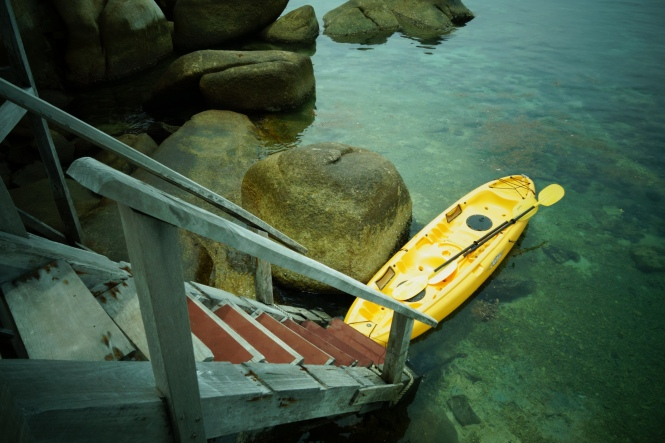 A kayak at the end of the dock